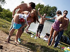 11 pics & movs - Student throw orgy in public place